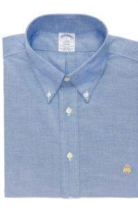חולצה מכופתרת לגבר ברוקס בראדרס בצבע תכלת עם סמל