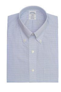 חולצה אלגנטית מכופתרת לגבר משובצת כחול תכלת ולבן ללא גיהוץ brooks brothers ברוקס ברדרס