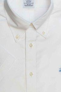 חולצת אוקספורד מכופתרת לגבר בצבע לבן ללא גיהוץ brooks brothers ברוקס ברדרס