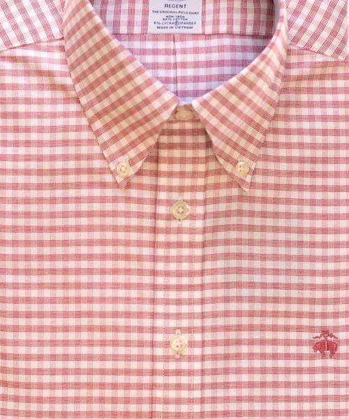 חולצת אוקספורד משובצת לגבר בצבע אדום ולבן ללא גיהוץ brooks brothers ברוקס ברדרס