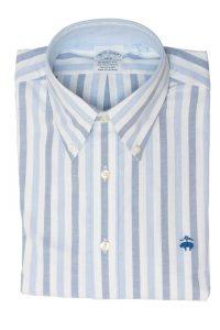 חולצה מכופתרת לגבר בצבעי כחול תכלת ולבן Brooks Brothers