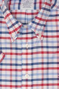חולצה מכופתרת לגבר משובצת בצבעים כחול אדום לבן Brooks Brothers